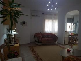 Apartament 1+1, Kongresi i Manastirit