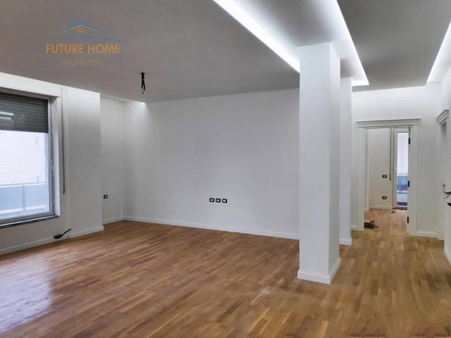 Shitet, Apartament 3+1, Kopsht...