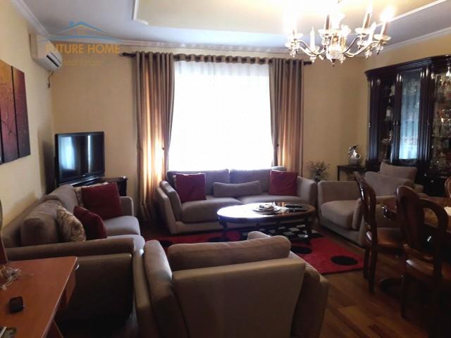 Shitet,Apartament 2+1, Vasil Shanto, Tiranë...