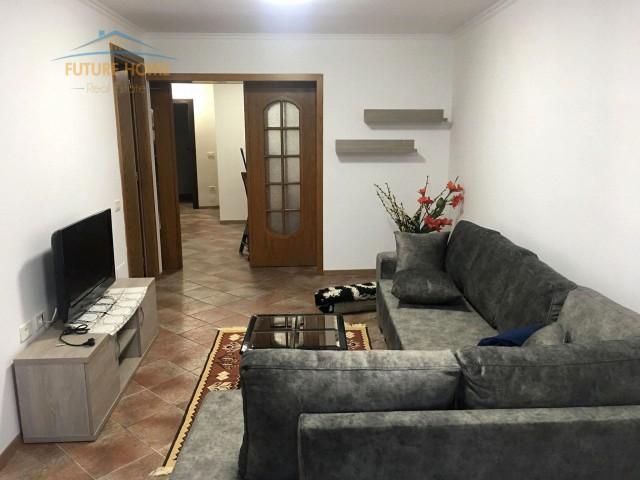 Qera, Apartament 2+1, Komuna e Parisit, Tiranë...