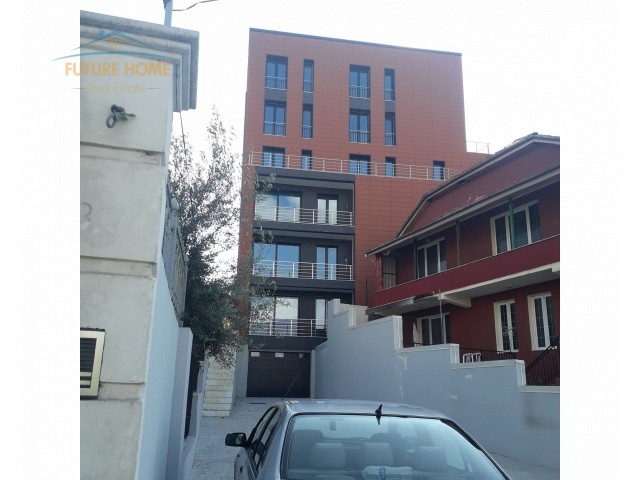 Shitet,Apartament 2+1,Rruga e ...