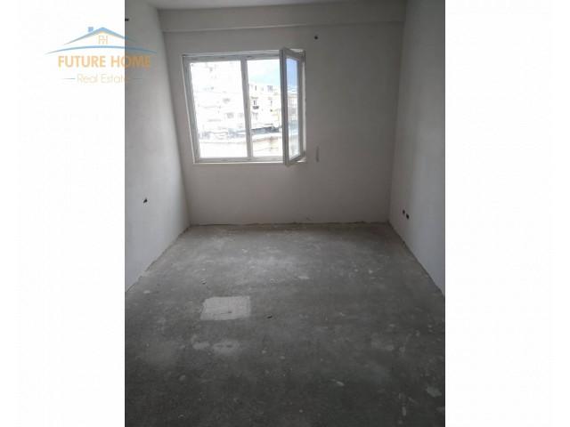 Shitet,Apartament 2+1,Brryli...
