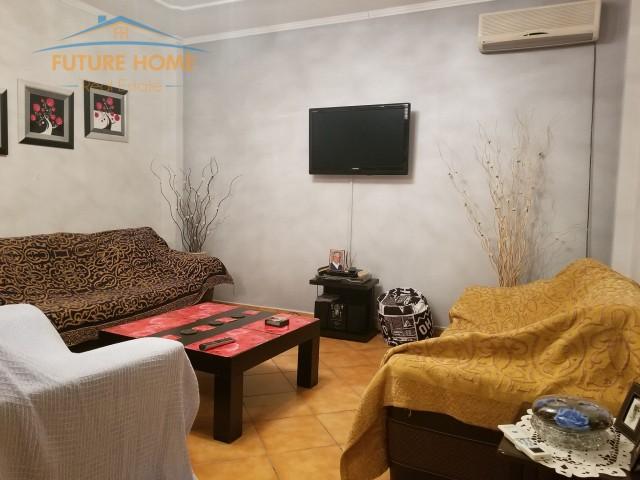 Jepet me Qera Apartament 2+1 tek Rruga Hoxha Tahsi...