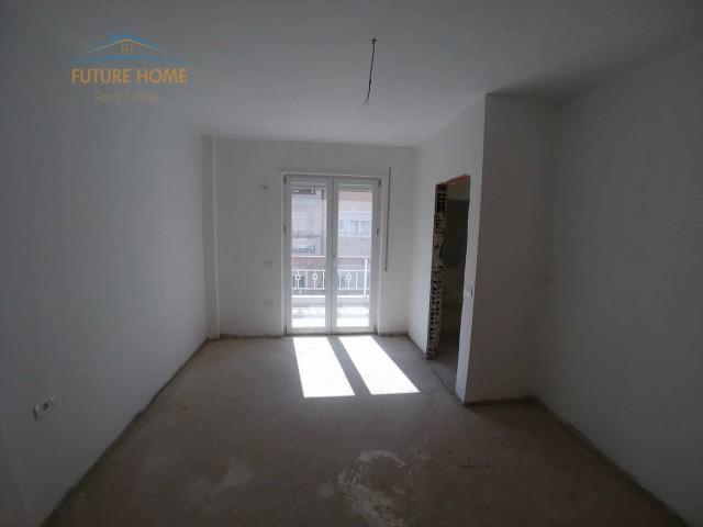 Shitet,Apartament 2+1,Fresku...