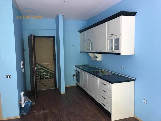 Qera, Apartament 1+1, Liqeni i...