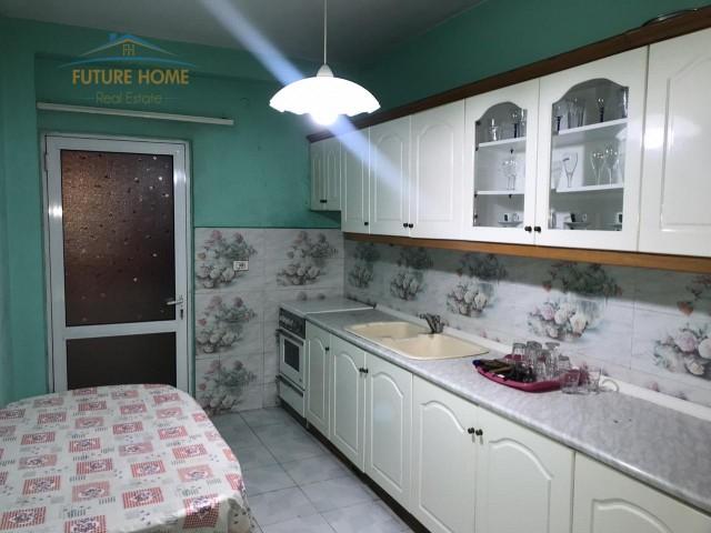 Apartament  3+1 për qera Rruga e Elbasanit...