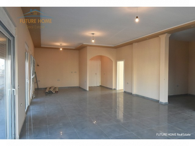 Three bedroom apartment for sale, Train Station...