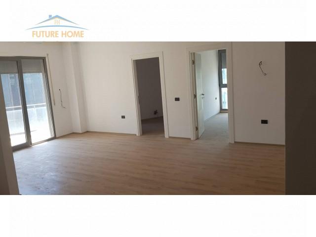Shitet, Apartament 1+1 Rruga e Kosovareve, Tiranë...