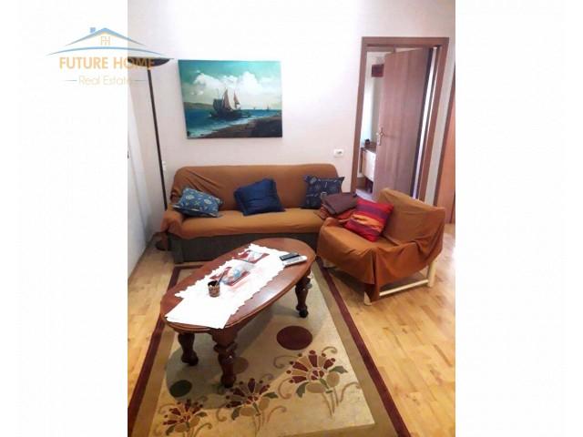 Apartament 2+1 për qera Bllok...