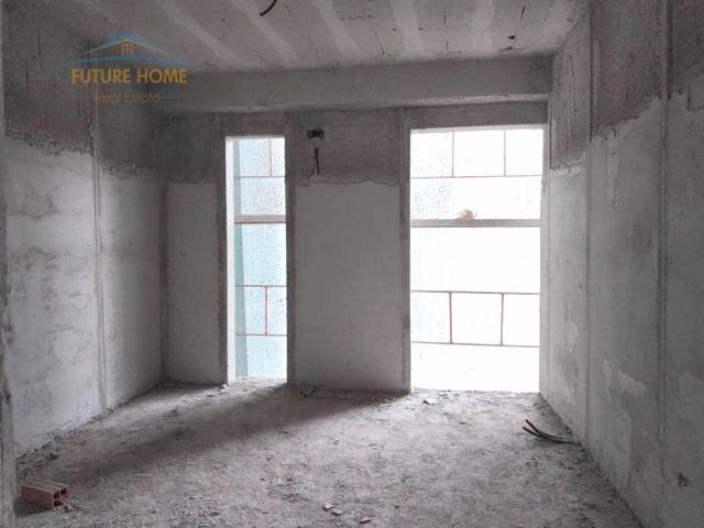 Shitet, Apartament 2+1, Liqeni, Tiranë....